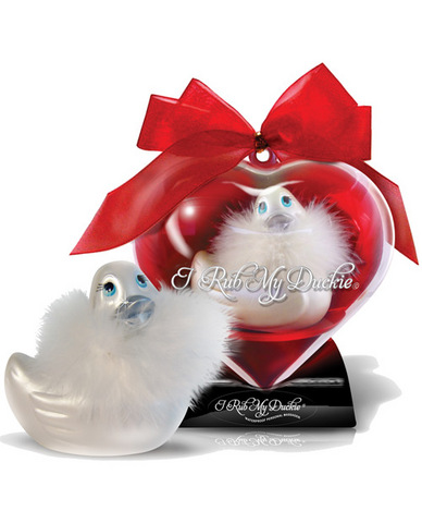 I rub my duckie massager sweet heart travel size - blanc in display case