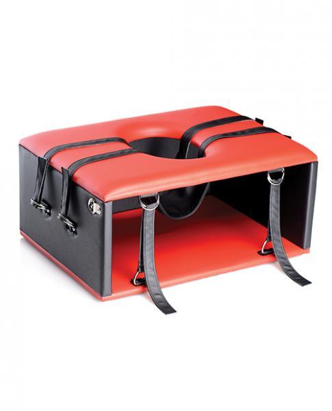 Master Series Queening Chair