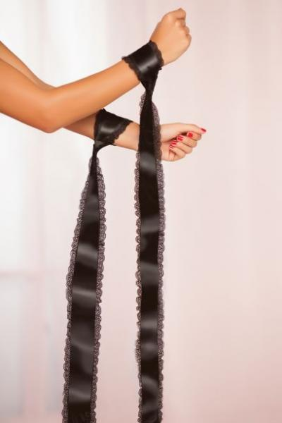 Satin Entangle Ties W/ Lace Trim Black O/s